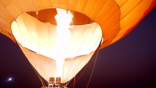 Scene of hot air balloon, Fire bursts in the balloon