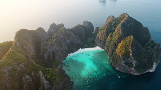 scenic aerial view of koh phi phi island in thailand - tajlandia filmów i materiałów b-roll