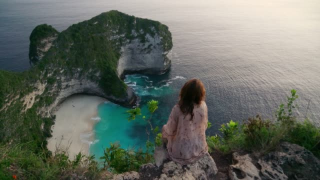 Scenic view of Kelinking beach on Nusa Penida