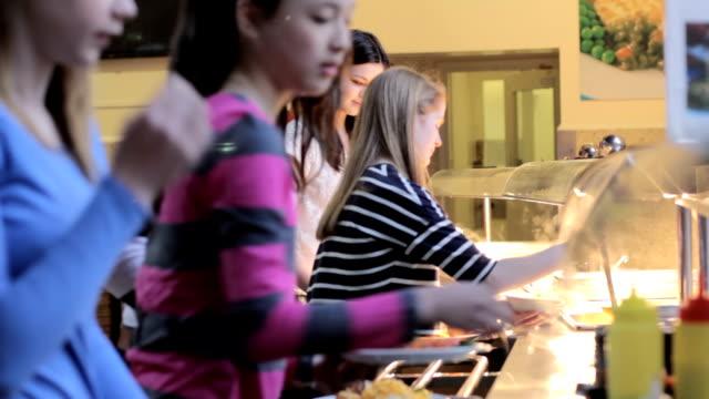 szkoła obiad w - stołówka filmów i materiałów b-roll