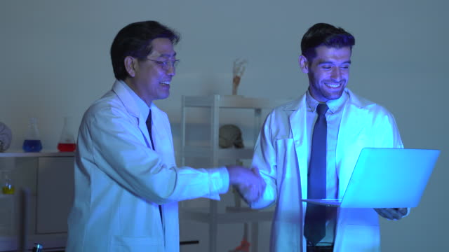 Scientist provide an experiment to find new medicine at night.