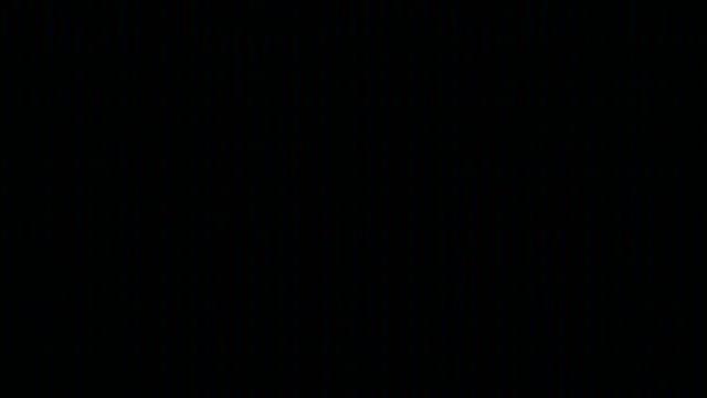 vídeos de stock, filmes e b-roll de os pixéis do monitor da tela fecham-se acima. efeito abstrato do glitch de digitas. dano do sinal video com ruído do close up do pixel e interferência do erro. fundo do ruído do vhs do glitch. tv erro tela preta - contorcido