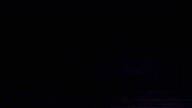 vidéos et rushes de écran monitor pixels fermer. effet glitch numérique abstrait. dommages de signal vidéo avec le bruit de plan rapproché de pixel et l'interférence d'erreur. glitch vhs fond de bruit. écran noir d'erreur de tv - calque