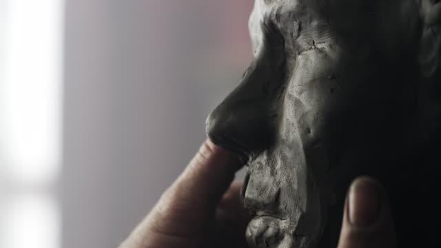 scultore  - scultura video stock e b–roll