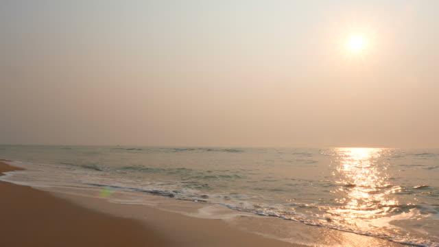 vídeos de stock e filmes b-roll de mar e praia - ibiza