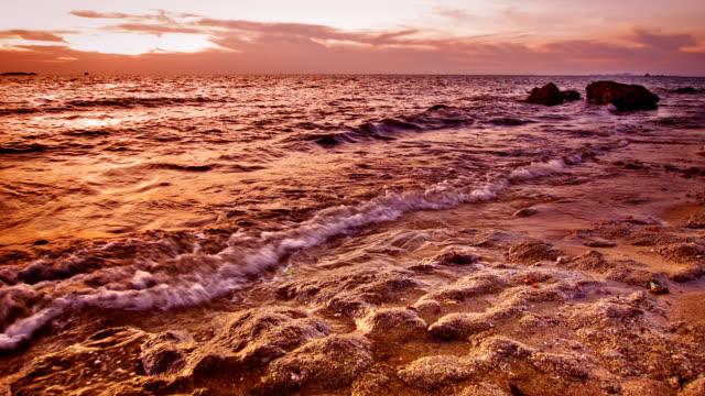 havet och solnedgången - high dynamic range imaging bildbanksvideor och videomaterial från bakom kulisserna