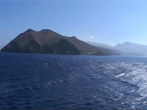 sea travelling from a boat - egeiska havet bildbanksvideor och videomaterial från bakom kulisserna