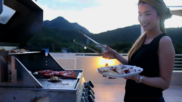 Seafood barbecue video