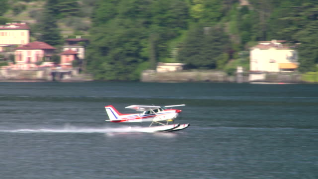 Seaplane Takeoff - video