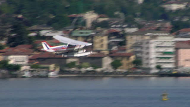 Seaplane Takeoff - video
