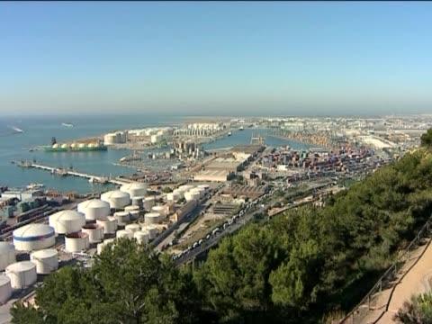 vídeos de stock e filmes b-roll de porto marítimo. - embarcação comercial