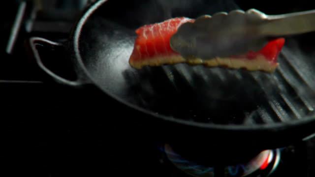 HD Seared Ahi Tuna Flipped video