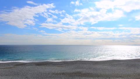 jazdy nad morzem - horyzont wodny filmów i materiałów b-roll