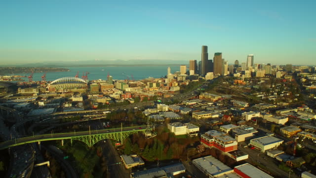シアトルの空からの眺め - 州間高速道路点の映像素材/bロール