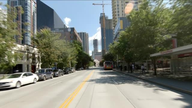 시애틀 시티 xvi 동기화 시리즈 프론트 뷰 구동 프로세스 플레이트 - seattle 스톡 비디오 및 b-롤 화면
