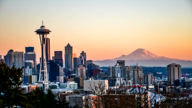 Seattle cityscape  time lapse at sunset Seattle cityscape  time lapse at sunset seattle stock videos & royalty-free footage