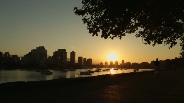 Seawall Jog and Cycle at Sunrise, Vancouver video