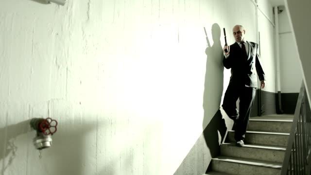 тайные совещания в гараж-вся история - conspiracy стоковые видео и кадры b-roll