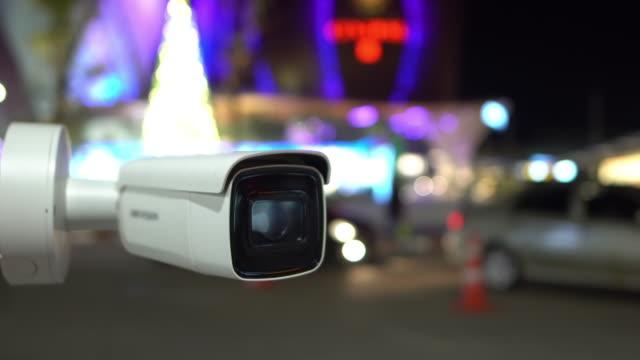videoüberwachung sicherheit - überwachungskamera stock-videos und b-roll-filmmaterial