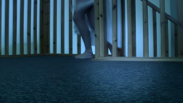 stockvideo's en b-roll-footage met seduction in the bedroom - minder dan 10 seconden