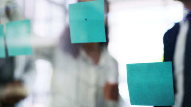 seeing the bigger picture behind it all - post it video stock e b–roll