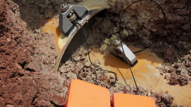 seismographical sensors on pipe and casing to collect data