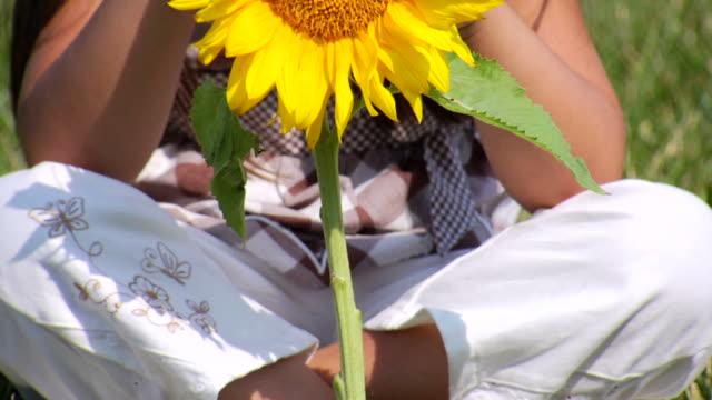 Selena's Sunflower Tilt Up video