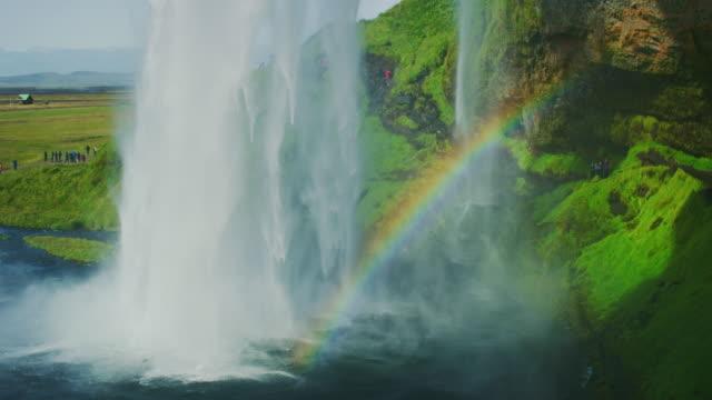 seljalandsfoss waterfall iceland - дикая местность стоковые видео и кадры b-roll