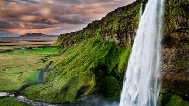 водопад селйяландсфосс в исландии - водопад стоковые видео и кадры b-roll
