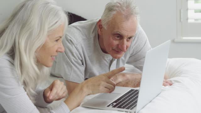 Seniorenpaar zu Hause – Video