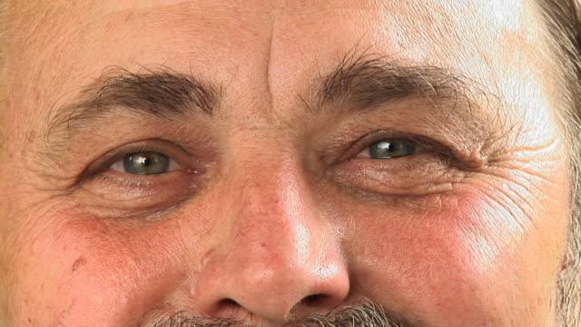 vídeos de stock e filmes b-roll de hd: idoso de olhos - sobrancelha