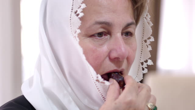 Senior Muslimin Essen Termine – Video