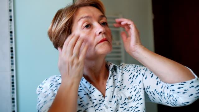 高級婦女做髮型 - future 個影片檔及 b 捲影像