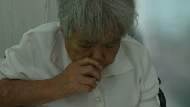 Senior Woman Snuff Thai Dry Nasal Tobacco Stock Video