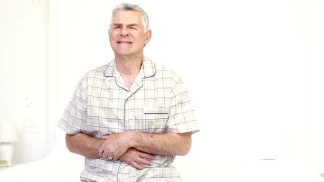 Senior Frau mit Bauchweh – Video