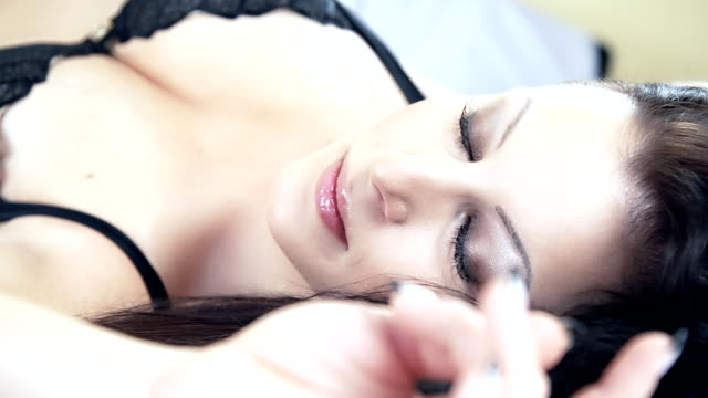 DOLLY HD: Sensual mujer Sexy en lencería - vídeo