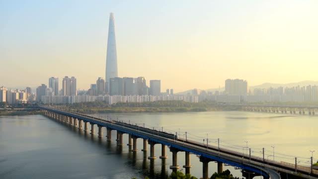 vídeos de stock e filmes b-roll de seoul subway and lotte tower ,south korea. - seul