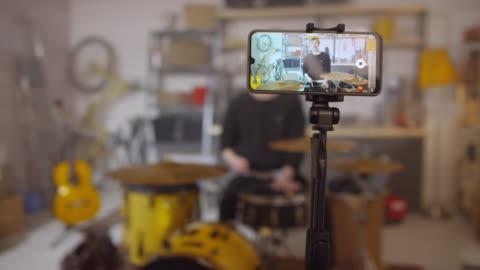 sequenza di video di ripresa del musicista - filmare video stock e b–roll