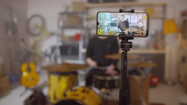 sekvens av musiker skytte video - trumset bildbanksvideor och videomaterial från bakom kulisserna