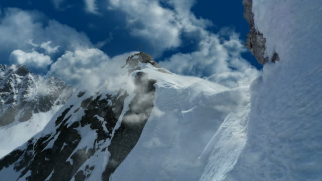 INFINITE CLOUDS, SNOW MOUNTAINS - series_hyperclouds_G12 (loopable) video