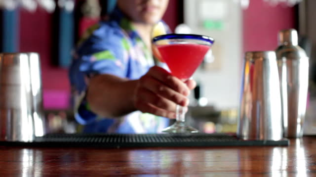 Serving cocktail video