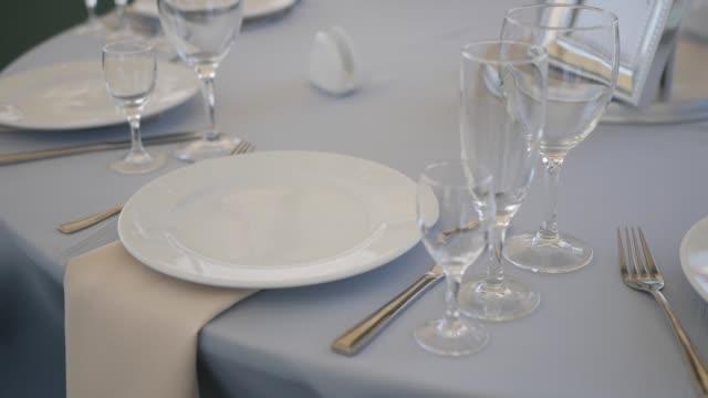 serving wedding table - państwo lokalizacja geograficzna filmów i materiałów b-roll