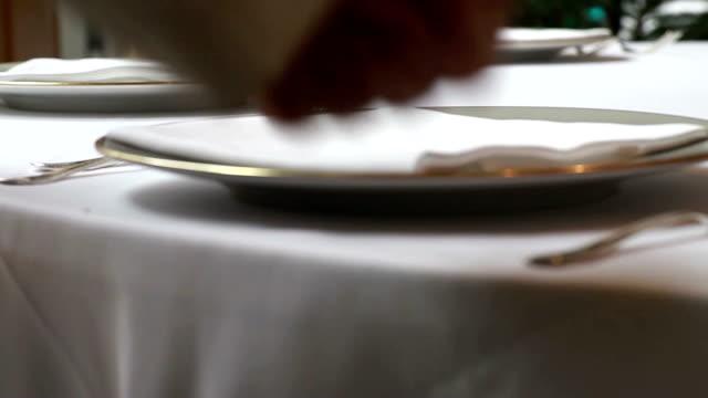 vídeos y material grabado en eventos de stock de de la tabla - cuchillo cubertería