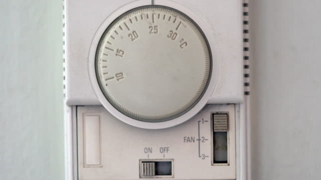 Setting Thermostat of Air conditioner video