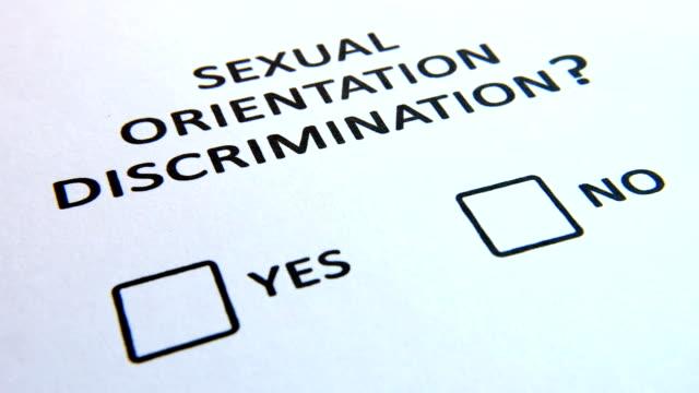 vidéos et rushes de questionnaire de l'orientation sexuelle avec checkbox - picto urne