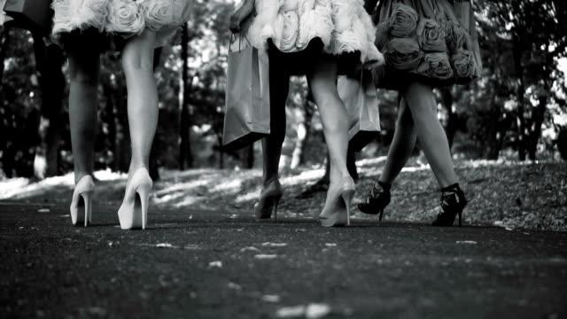 vídeos y material grabado en eventos de stock de a pie sexy tacones - feminidad
