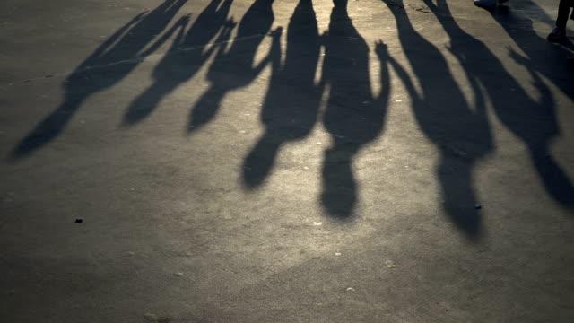フォークダンスの影 - 影点の映像素材/bロール