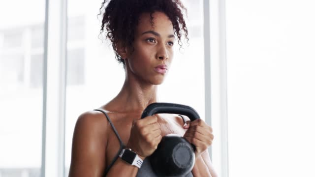 she never skips a gym session - giria filmów i materiałów b-roll