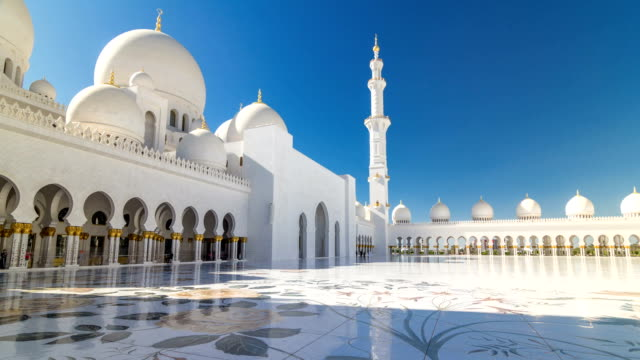 sheikh zayed grand mosque timelapse hyperlapse in abu dhabi, the capital city of united arab emirates - dubai architecture stock videos & royalty-free footage
