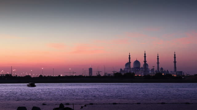 sheikh zayed mosque at dusk - ramadan stock videos and b-roll footage